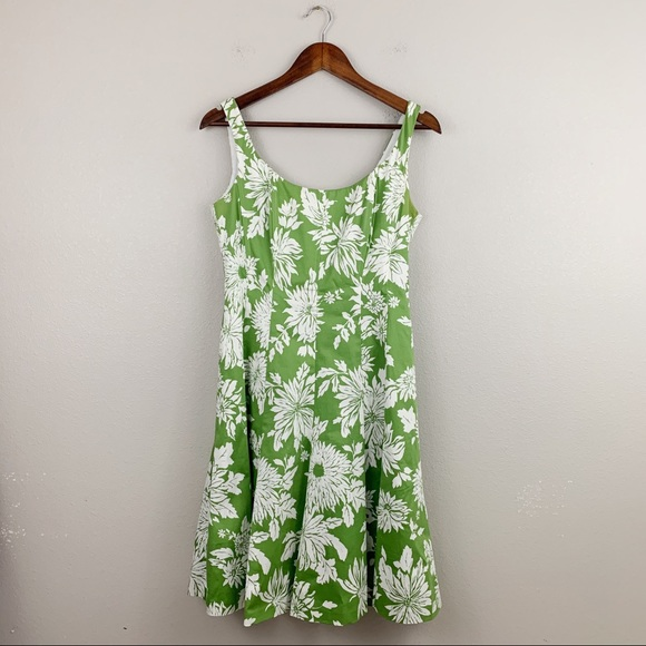 Jones Wear Dresses & Skirts - Jones Wear Spring Green White Floral Dress
